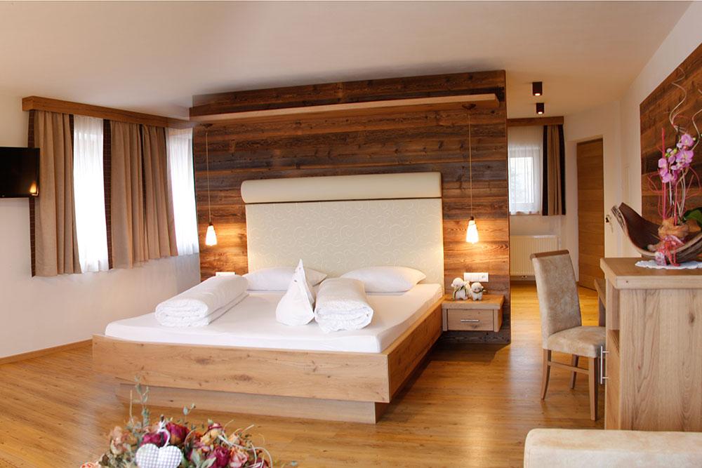 Zimmer preise hotel rodeneck nussbaumerhof brixen for Camere da letto in legno prezzi